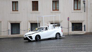 Photo of Papež František má další papamobil. Je tichý a jezdí na vodík