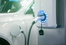 Photo of Prodeje elektromobilů se sice letos ztrojnásobily, firmy ale stále vyčkávají