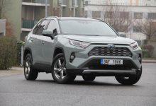Photo of Toyota RAV4 Hybrid: proč mi nafta nechybí?